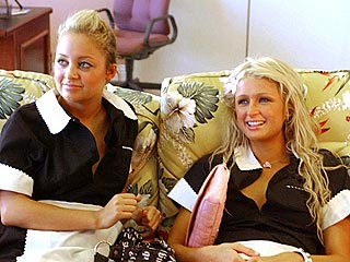 Paris & Nicole Enjoy Life On the Road
