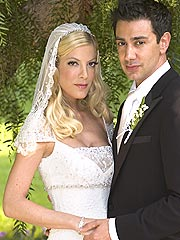 Tori Weds in 90210; Quaid in Montana
