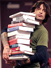 Tommy Lee: 'Fish Out of Water' at College