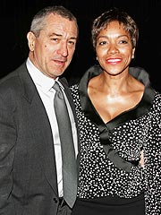 De Niro, Wife Renew Wedding Vows