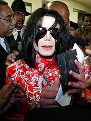 Michael Jackson Goes Shopping in Texas