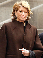 Martha Stewart Settles Civil Lawsuit