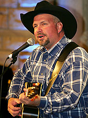 Garth Brooks Corrals Wal-Mart Deal