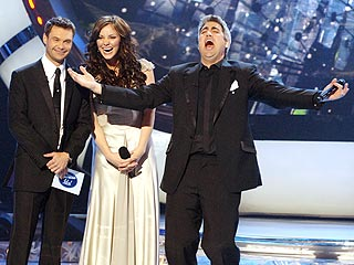 Taylor Hicks Wins American Idol