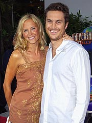 Oliver Hudson Gets Married