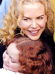 Kidman, Kids Visit Children's Hospital