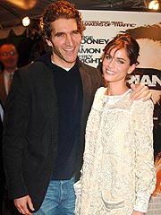 Amanda Peet Weds Screenwriter Beau
