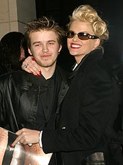 Funeral Held for Anna Nicole Smith's Son