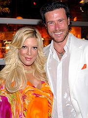 Dean McDermott Proposes to Tori Spelling – Again