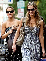 Jessica Alba Steps Out for Shopping and a Salad