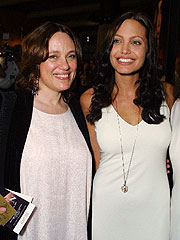 Angelina Jolie&#39;s Mother Dies