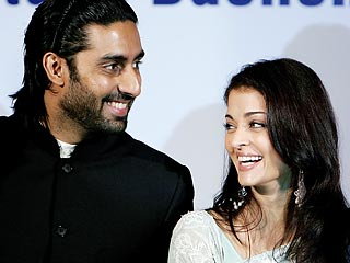 Bollywood Screen Couple Weds for Real in Mumbai