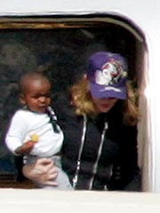 Madonna Leaves Malawi with the Kids