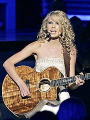 Taylor Swift to Appear in Hannah Montana Movie