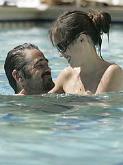 Colin Farrell, New Girlfriend Heat Up Las Vegas