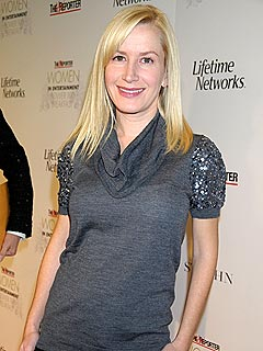 Angela Kinsey on Pregnancy Cravings and Maternity Clothes