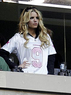 All Eyes on Jessica Simpson at Cowboys Game