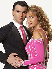 Jane Seymour Leaves Dancing with the Stars