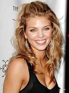 Is AnnaLynne McCord the Female &#39;Dirty Harry&#39;?