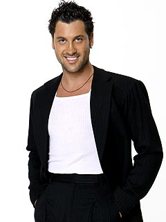 Maks Dances Shirtless for His DWTS Costars