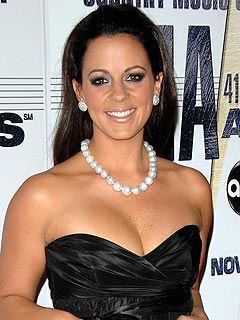 Sara Evans in the Planning Stages for Wedding