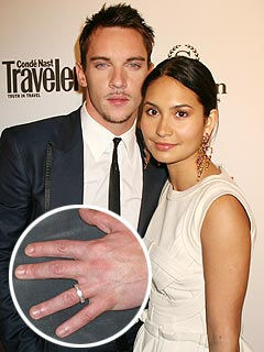 Jonathan Rhys-Meyers couple