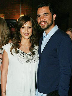 Jessica Alba Is in Frantic Nesting Mode