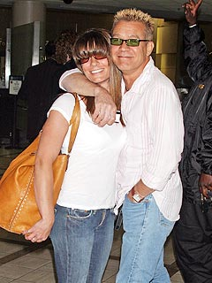 Eddie Van Halen – in Flip-Flops – Weds Girlfriend