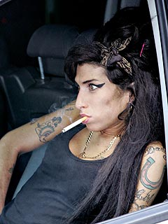 Amy Winehouse Smokes After Hospital Release