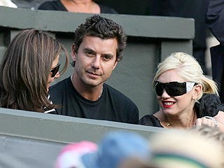 Gwen & Gavin Cheer Roger Federer at Wimbledon