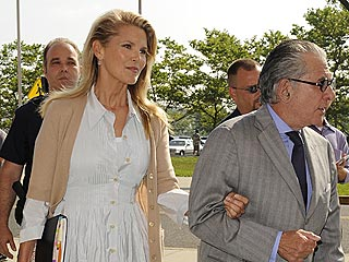 Christie Brinkley Hopes and Prays for Settlement
