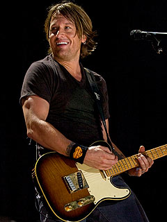 Keith Urban: Nicole Is &#39;Very, VERY Pregnant&#39;