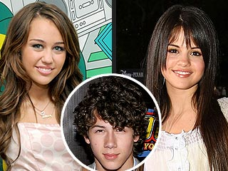 are miley cyrus and nick dating again
