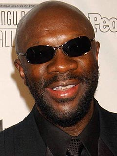 Soul Musician Isaac Hayes Dies at 65