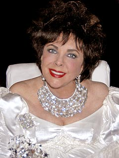 Elizabeth Taylor Goes Out to Her Favorite Gay Bar