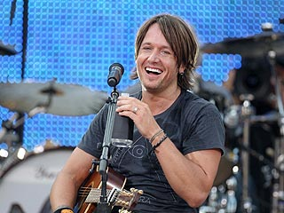Keith Urban Set to Jam at the CMT Music Awards