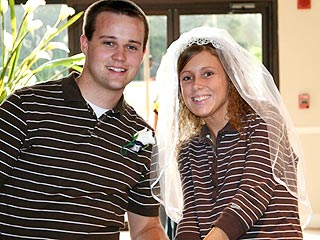 A Duggar Family Wedding Expands Brood to 20