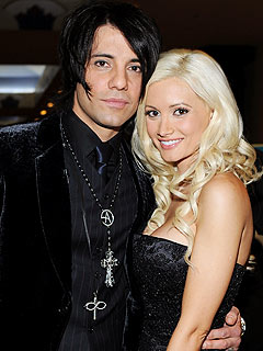 Criss Angel: Holly Madison Is a &#39;Beautiful&#39; Person