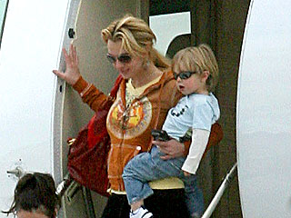 Britney Spears Brings Her Boys to Louisiana