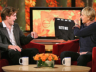 Ellen Gives Robert Pattinson &#39;Bite Me&#39; Briefs