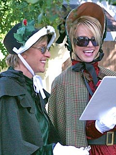 PHOTO: Britney Goes Caroling – with Ellen