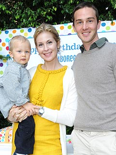 Kelly Rutherford married to
