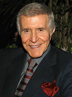 news article suave actor ricardo montalban dies