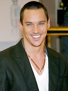 Jonathan Rhys Meyers: 'I'm Not a Romantic'