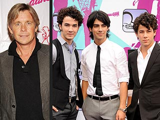 Former Teen Heartthrob Christopher Atkins Gives Advice to Jonas Brothers