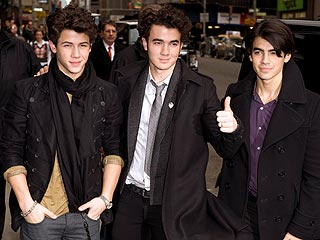 Jonas Brothers Reunion?