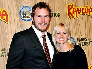 Anna Faris Catches a Concert with Her Hubby