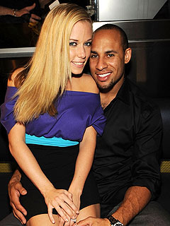 Kendra Wilkinson Weds at Playboy Mansion