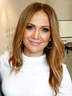 Jennifer Lopez: I Meant to Trip at AMAs