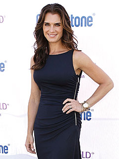 Cops Block Naked Brooke Shields Pic in Art Gallery